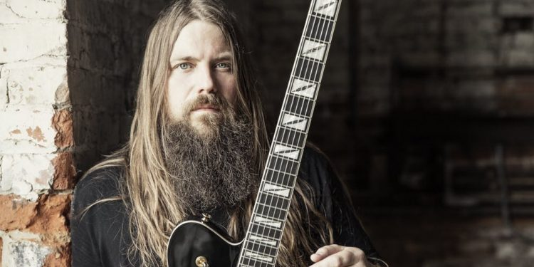 Mark-Morton-Travis-Shin-Head-on