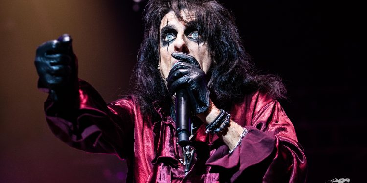 Alice-Cooper-by-Anne-Marie-Forker-7852