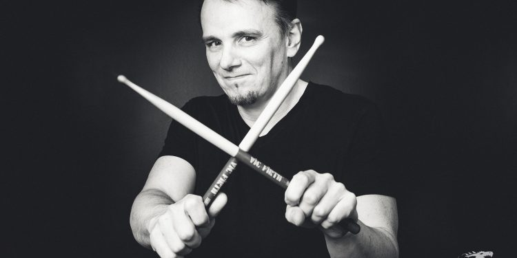 Gavin-Harrison-by-Anne-Marie-Forker-0437
