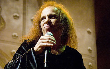 401px-Ronnie-James-Dio_Heaven-N-Hell_2009-06-11_Chicago_Photoby_Adam-Bielawski