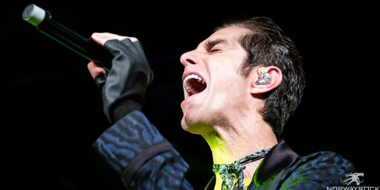 Perry Farrell by Anne-Marie Forker-3738