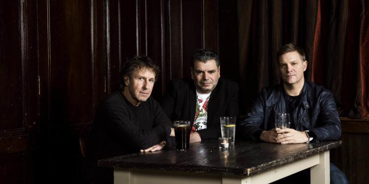 Kino press shots, with John Mitchel, Pete Trewavas,  Craig Blundell