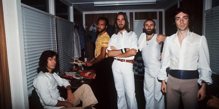 Genesis Steve Hackett Wind & Wuthering tour 1977